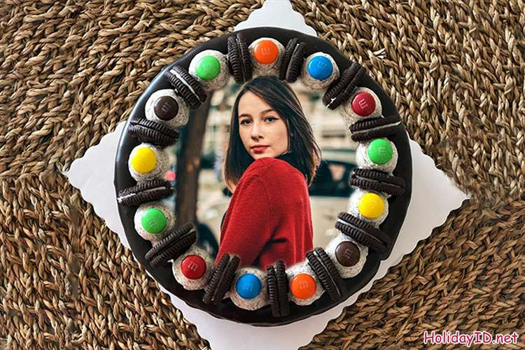 Kue Ulang Tahun Permen Berwarna-warni Dengan Bingkai Foto
